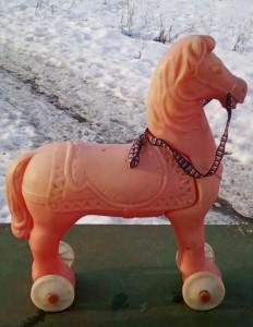 Игрушка детская лошадь