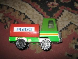 Игрушки машинки жестяны железные из СССР
