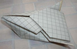 Бумажная гоночная машина из тетрадного листа