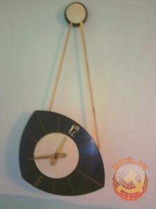 Часы настенные старые