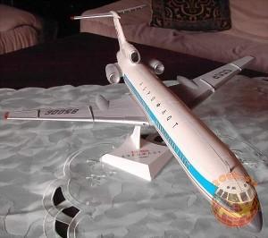Модель самолета ТУ-154