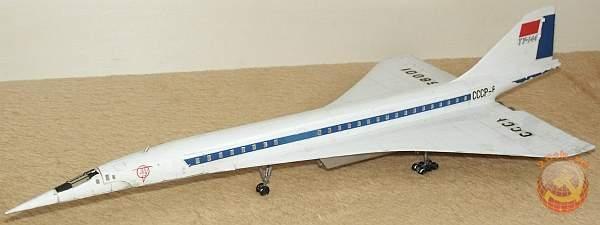 Модель самолета ТУ-144