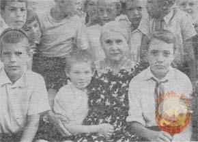 Клавдия Лукьяновна Волошина на встрече с пионерами