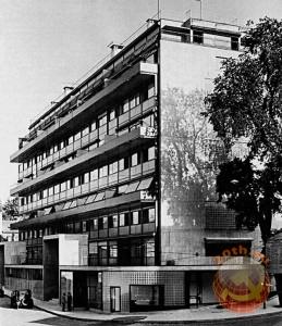 Многоквартирный дом Кларте (Maison Clarté), Женева, Швейцария, 1930 г. Архитектор Ле Корбюзье.