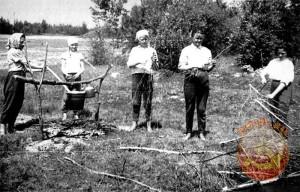 Приготовление пионерской каши
