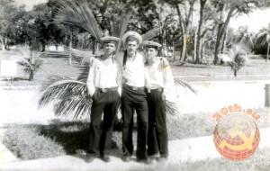"""Советские моряки в """"загранке"""""""