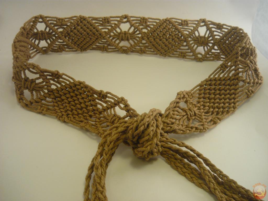 Схема плетение кашпо из макраме для ...: pradom.pp.ua/makrame-shemy-pleteniya-kashpo-dlya-nachinayushchih.html
