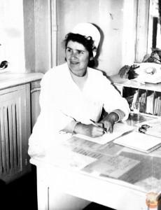 Медсестра в Советской больнице