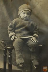 Фото малыша в первый день рождения. 30-е годы 20 ст.