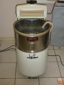 советская стиральная машина РИГА