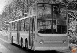 автобус с водителем вверху